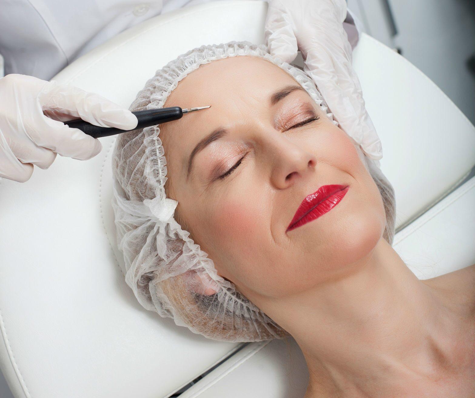 Как лучше удалить волосы на лице навсегда